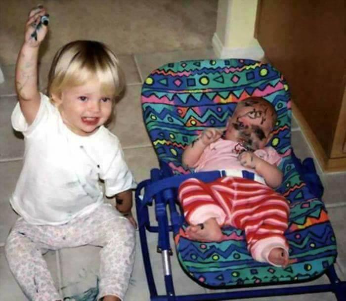 Funny Jealous Kids (15 Pics)