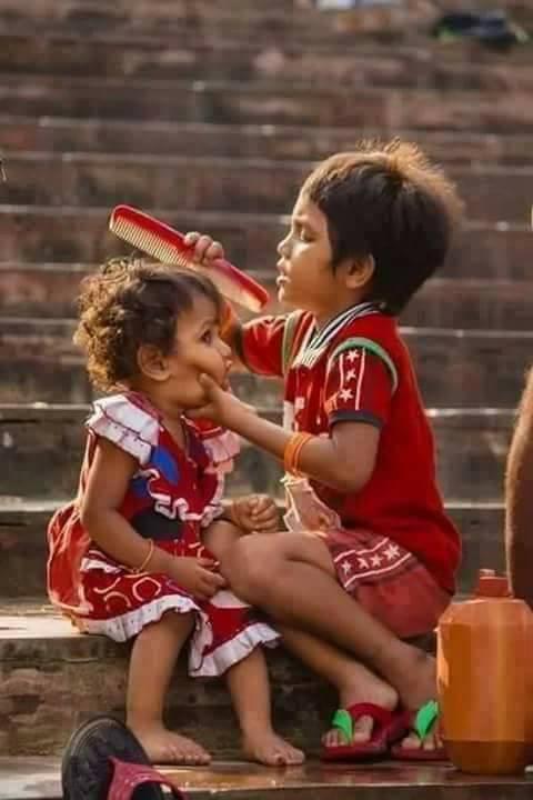 Siblings Love in 25 Adorable Photos