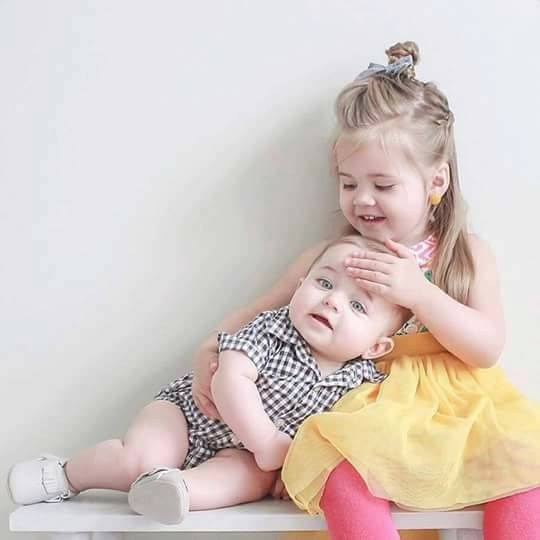 Siblings Love in 25 Adorable Photos