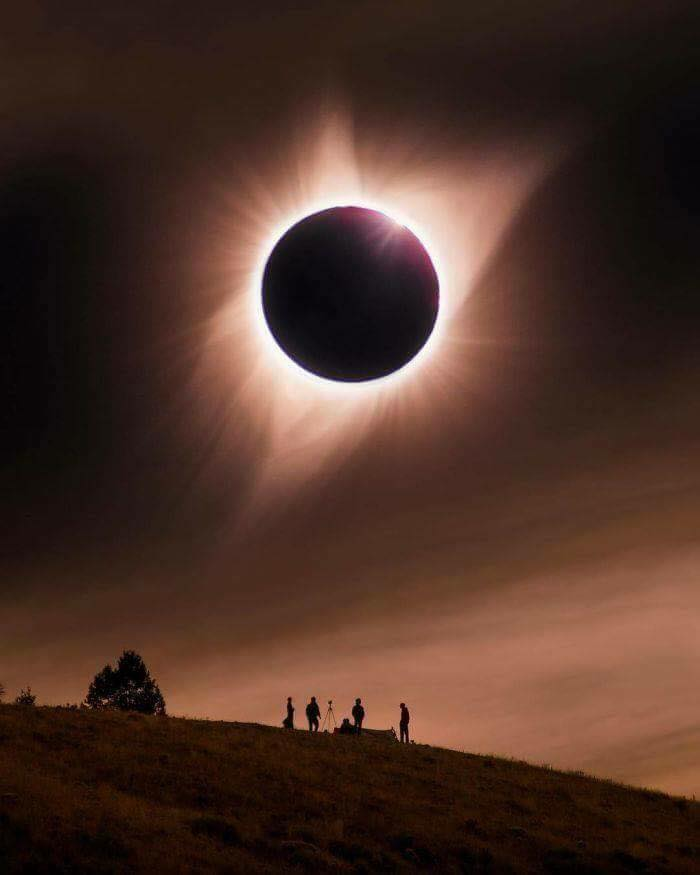 Best Photos Of The 2017 Solar Eclipse !! - (15 Pics)