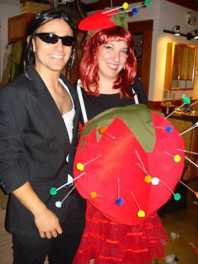 Pregnant Women Costume Ideas For Halloween! (18 Pics)