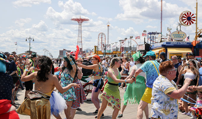 Coney Island Mermaid Parade (50 Pics)