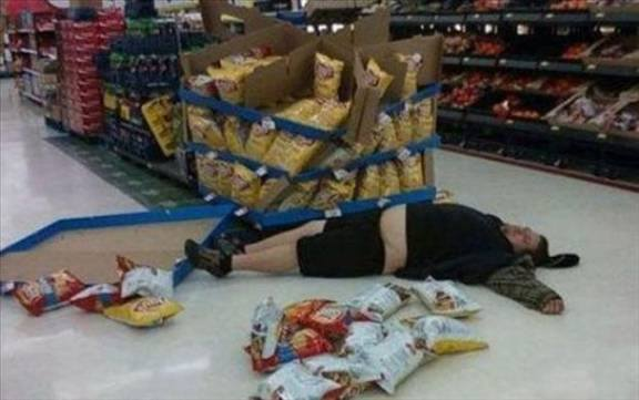 Funny Drunk People That Prove Drinking Is Bad & Dangerous (10 Pics)