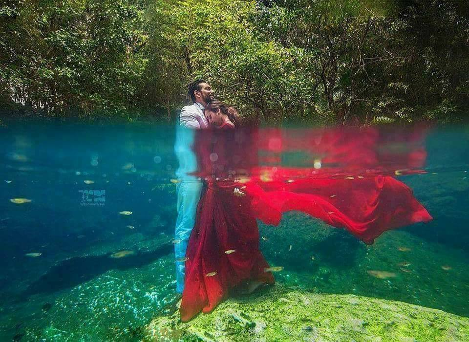 Stunning Underwater Pre-Wedding Shoot (10 Pics)
