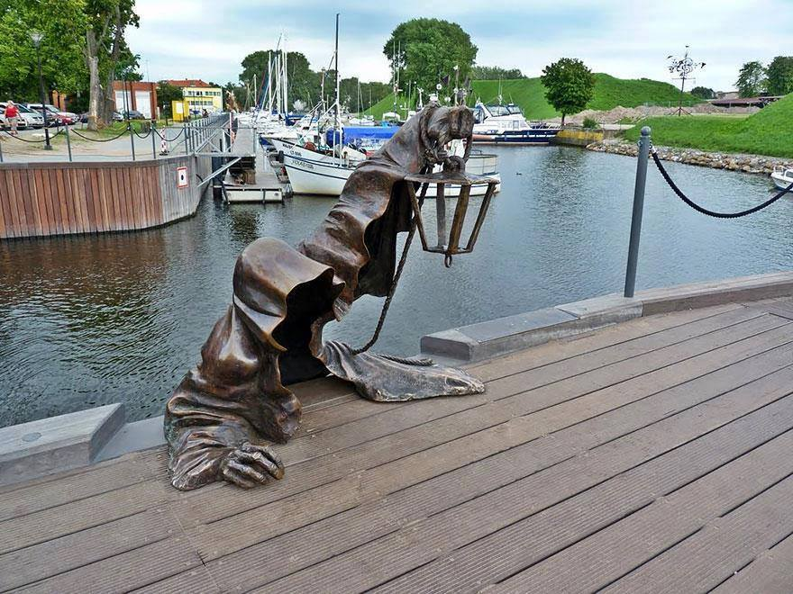 18 Most Creative Sculptures And Statues Around The World!