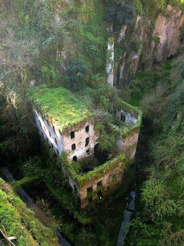 41 Abandoned Places In The World!!