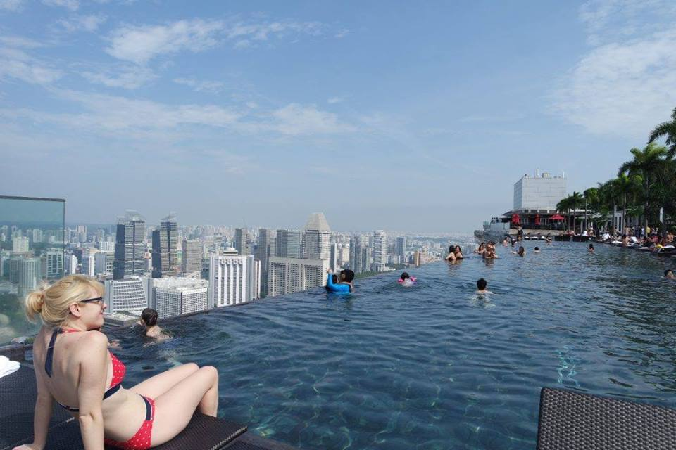 World 39 s highest swimming pool on the 57th floor marina - Tallest swimming pool in the world ...