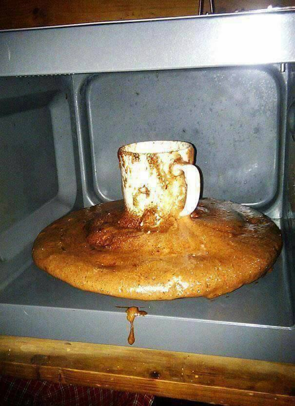 When you try to cook for the first time! (15 Pics)