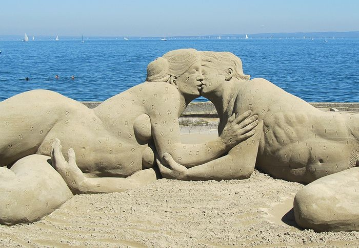 25+ Stunning Sand Sculptures Around The World