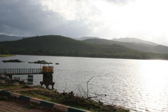 Top 5 Beautiful Lakes and BackWater Destinations in Karnataka   Weekend Getaways