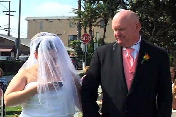 Epic Wedding Fail (20 Pics)
