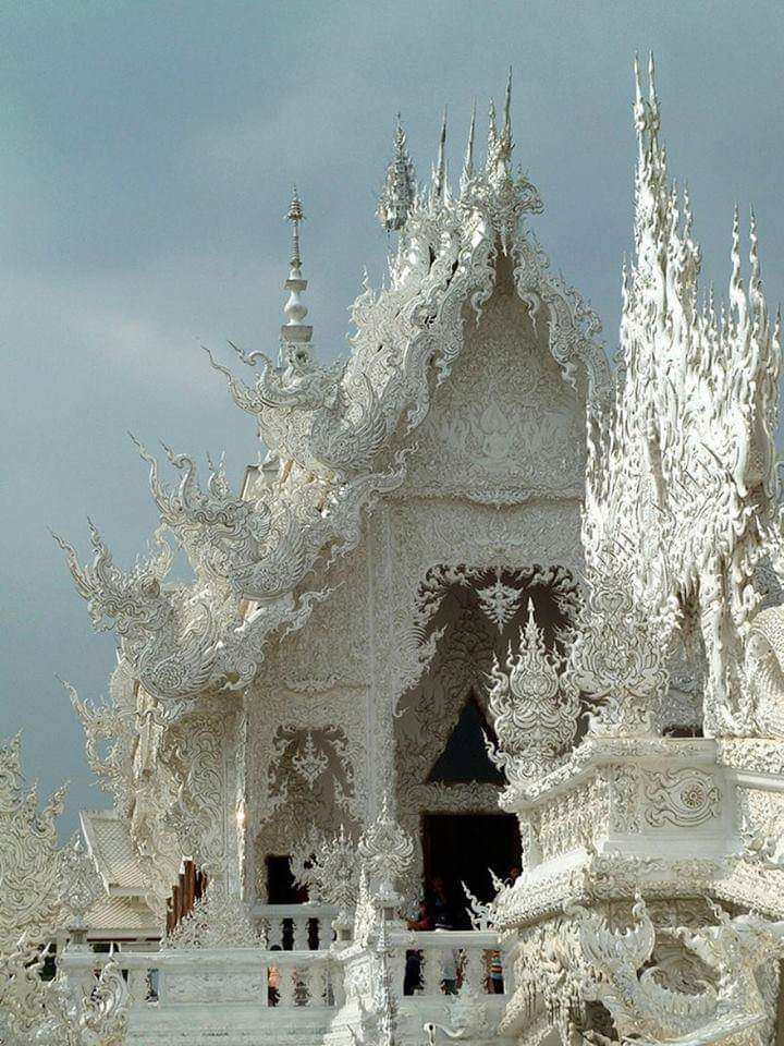 This Majestic White Temple In Thailand Looks Like A Fairytale