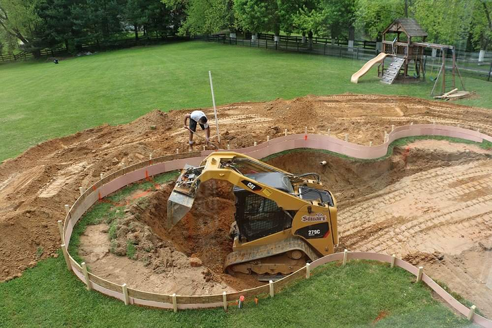 Swimming pool construction steps! (15 Pics)