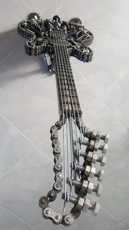 Amazing Chain Art (10 Pics)