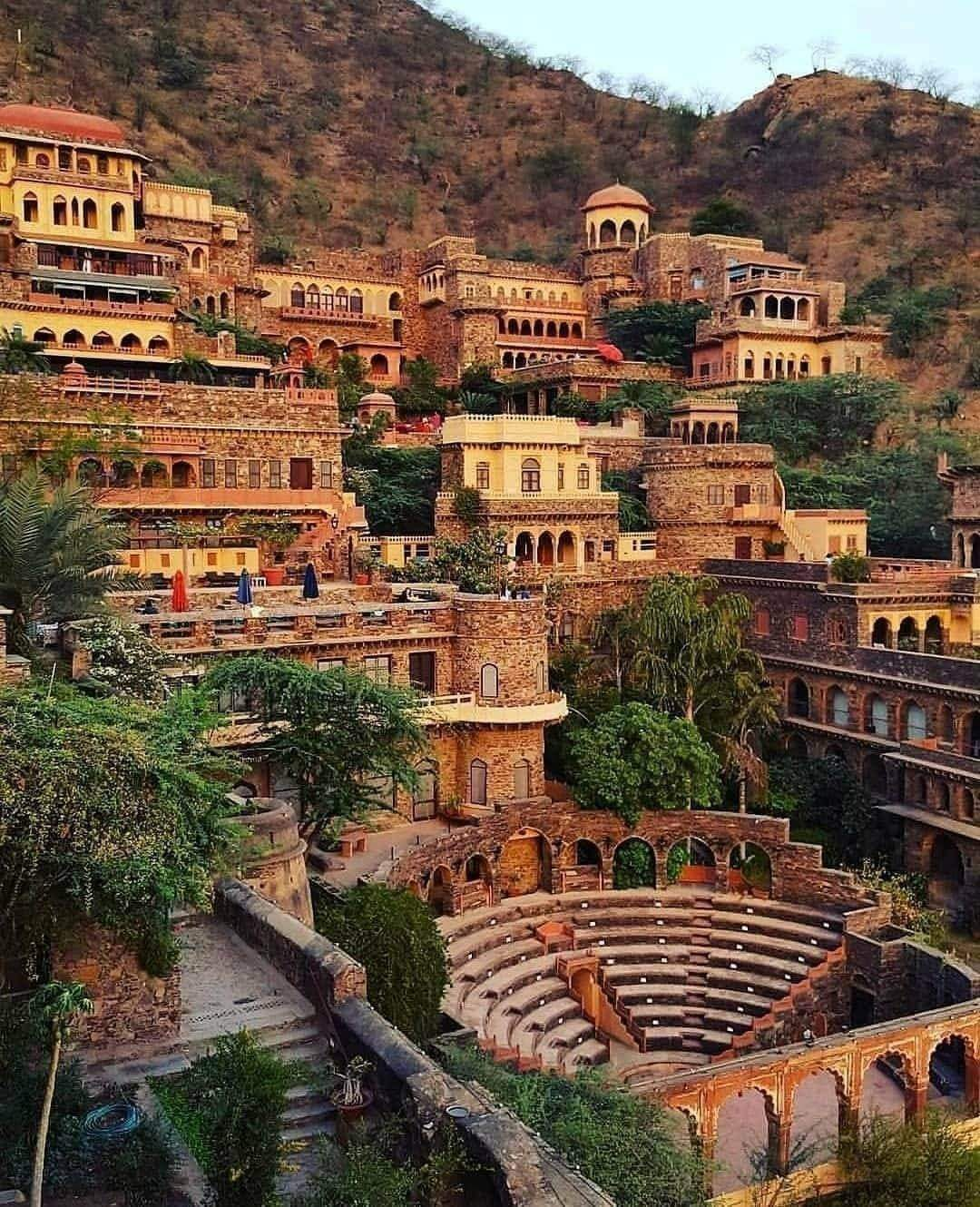 1Pic - Amazing View Of Neemrana Fort in Rajasthan, India