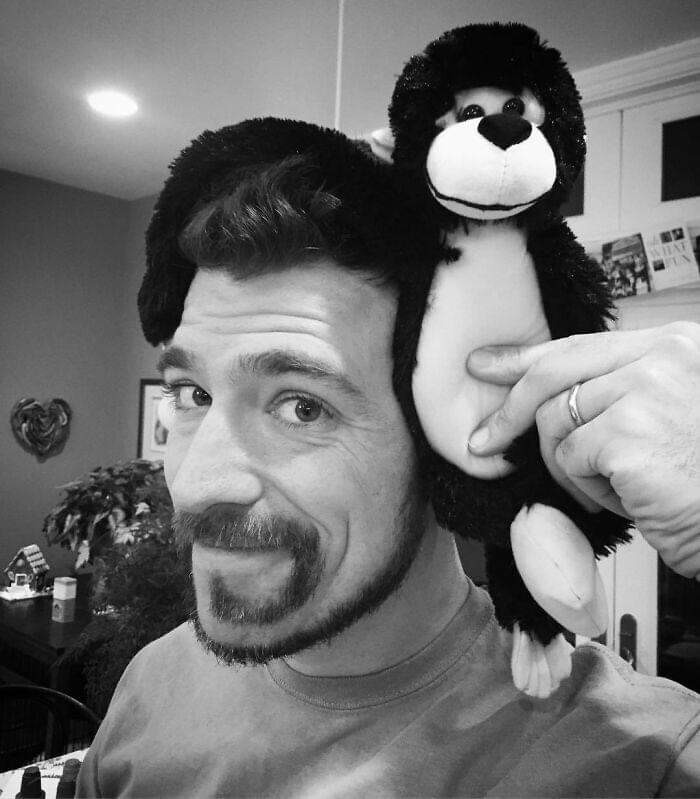 Men Who Decided To Try The 'Monkey Tail' Beard Look (30 Pics)