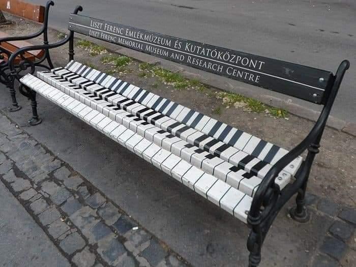 Amazing Street Art (12 Pics)