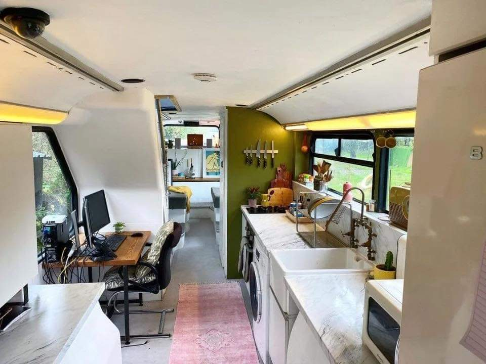 This couple are mortgage and rent-free after buying a £2,500 double decker bus and turning it into a stylish home (20 Pics)