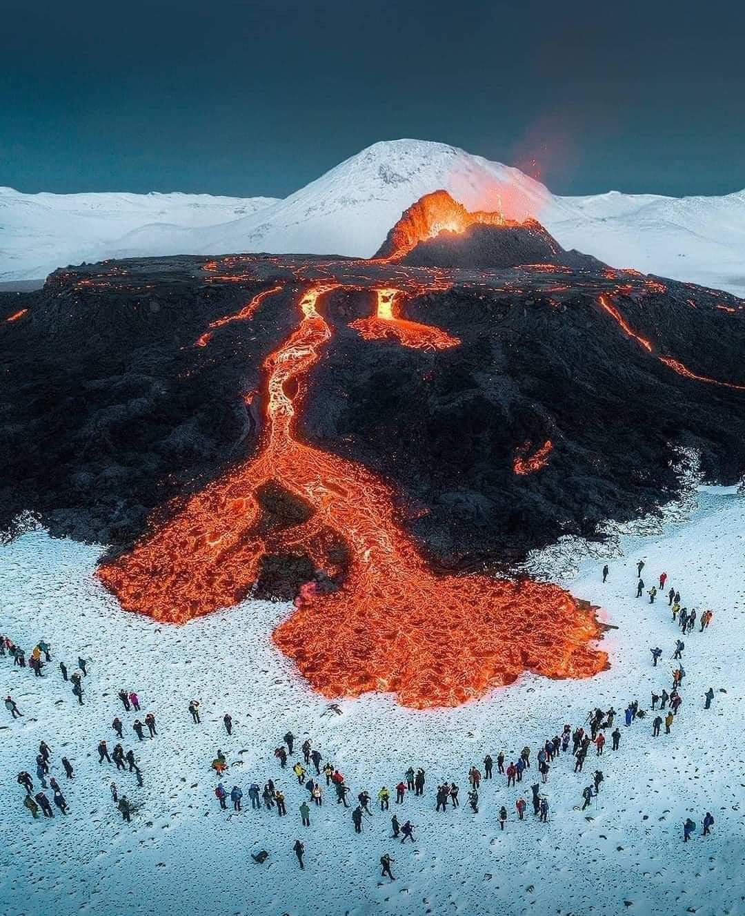 ONE Pic - Stunning photo of fire and ice! Iceland