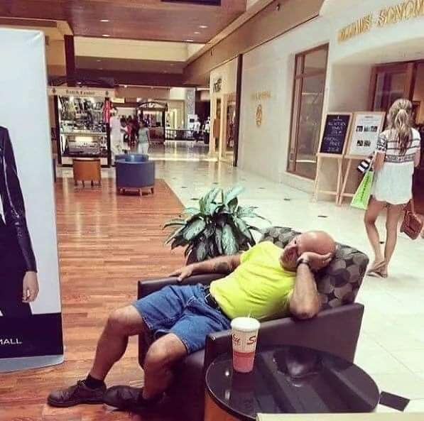 Shopping with wife - Hillarious 18 Pictures!