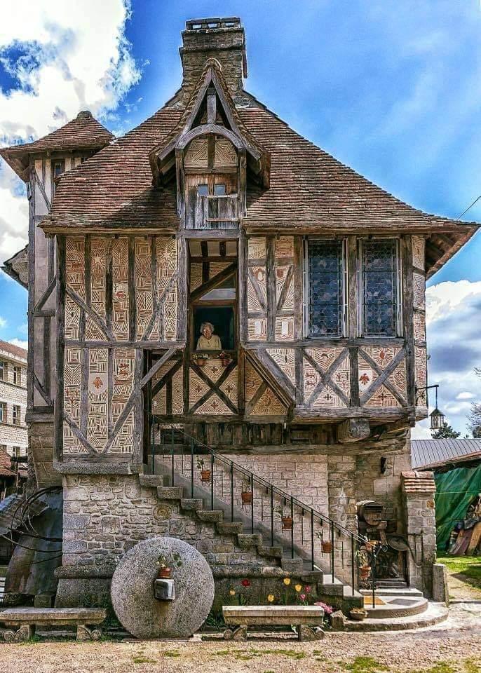 AMAZING MEDIEVAL HOUSE, ARGENTAN, FRANCE