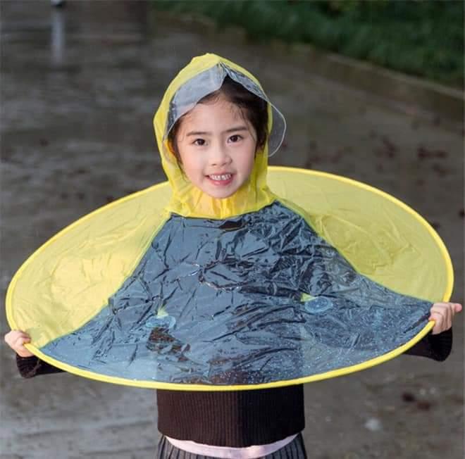 UFO Raincoat! (10 pics)