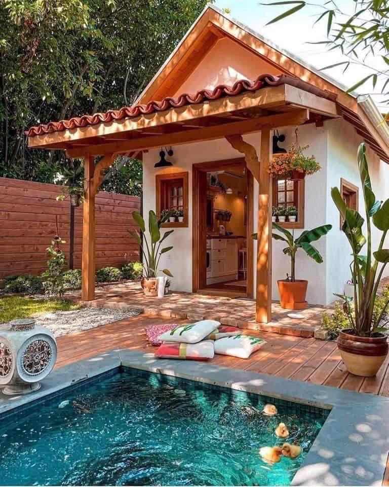 Amazing Tiny House Design (14 Pics)