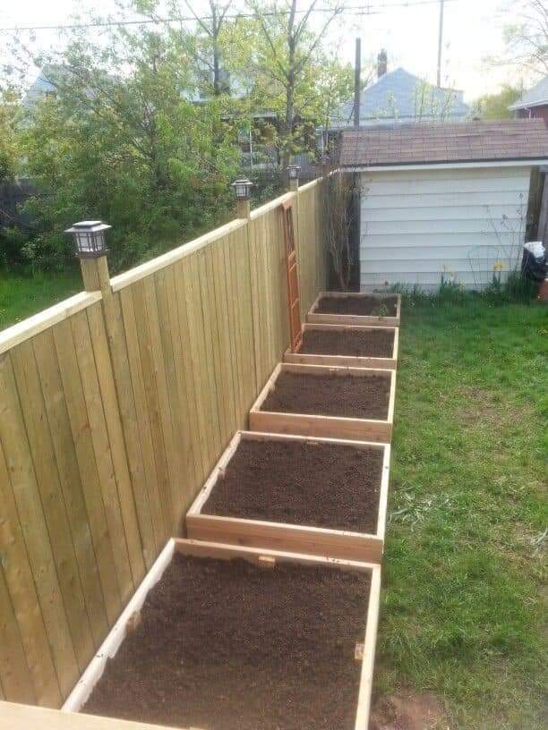 Backyard Garden Ideas (13 Pics)