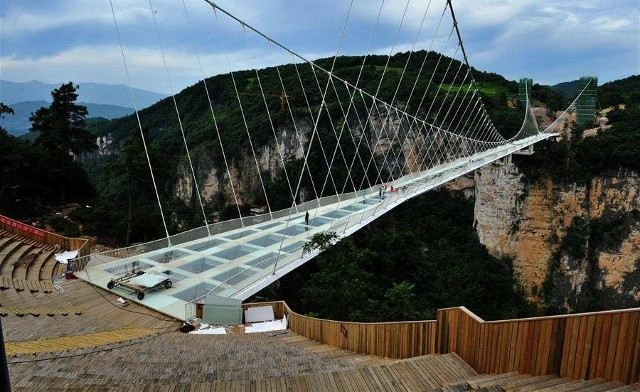 World's Longest and Highest Glass-Bottomed Bridge is Opened in China