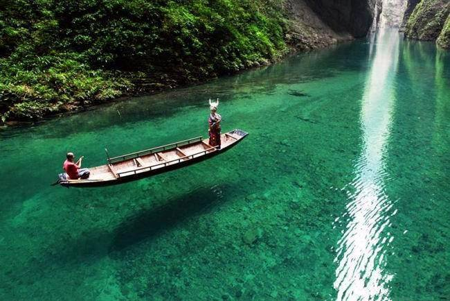 Mysterious Chinese paradise. Rowing at  Pingshan Ravine