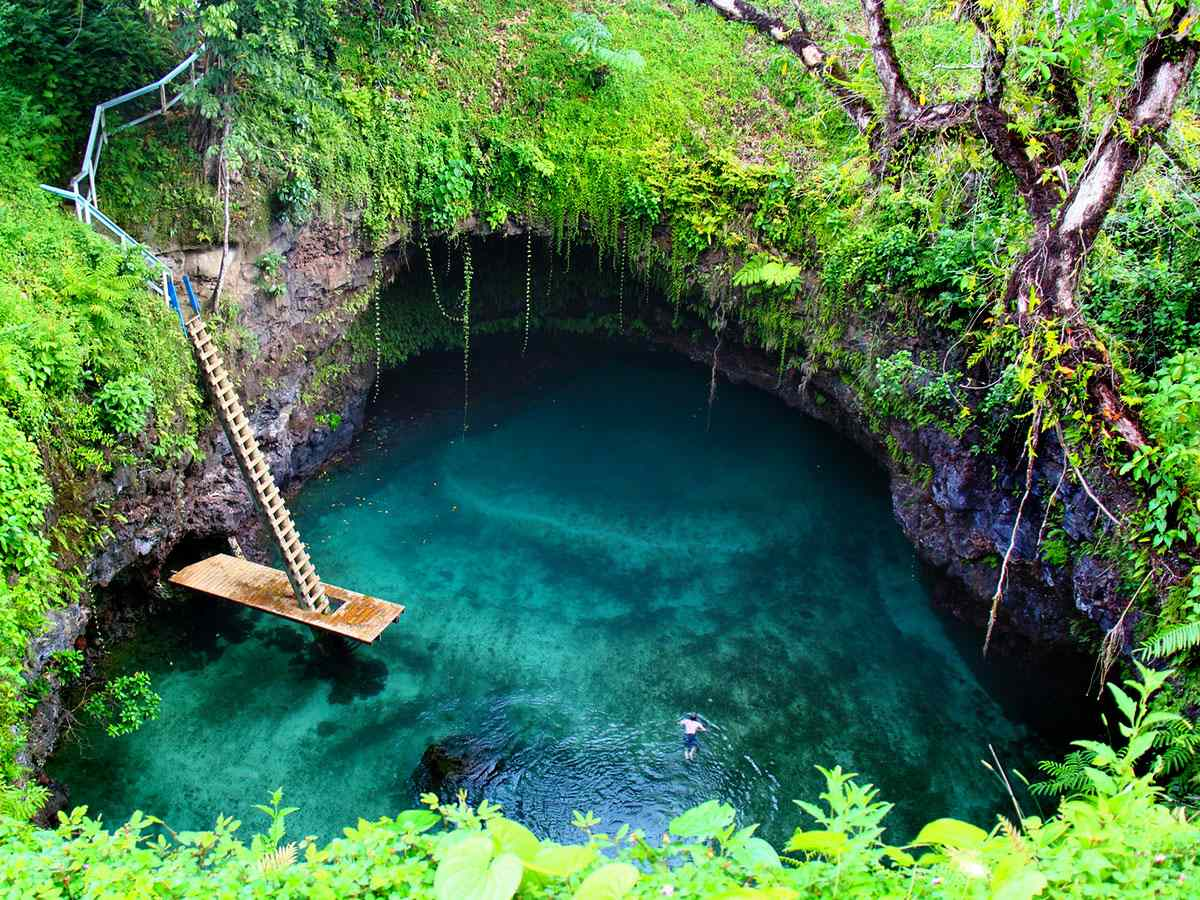 Top 5 most amazing natural swimming pools around the world for Most amazing swimming pools in the world