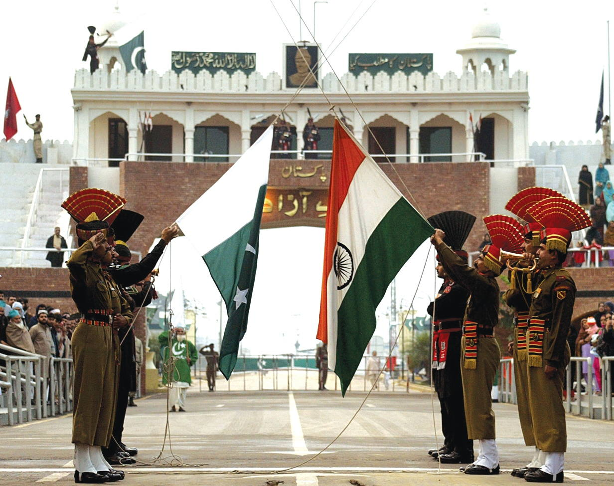 Wagah border ceremony - Watch Beating Retreat Ceremony