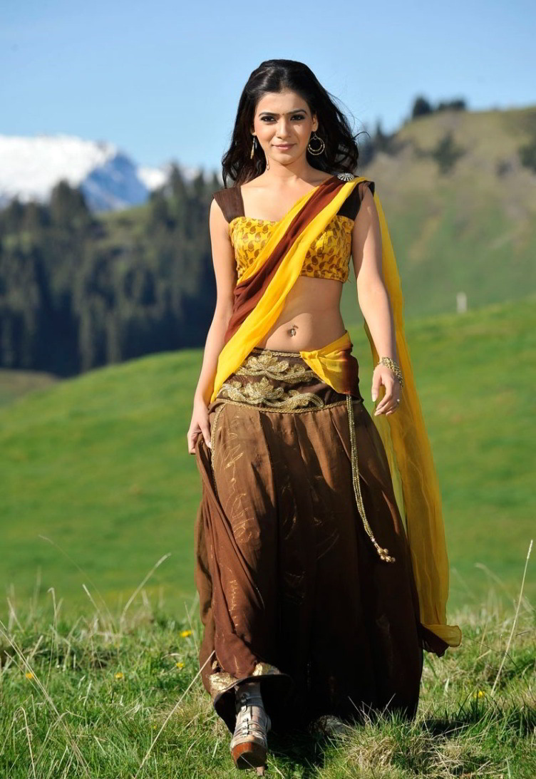 Traditional Dress - Amazing Bollywood Style - 12 Pics