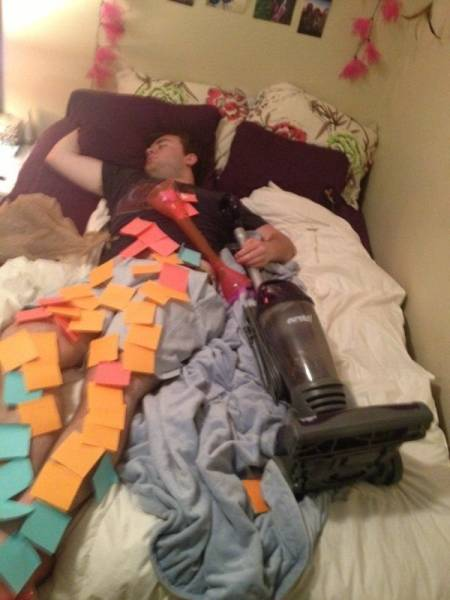 Growing Up: College Life Is Never Easy For Anyone (49 pics)
