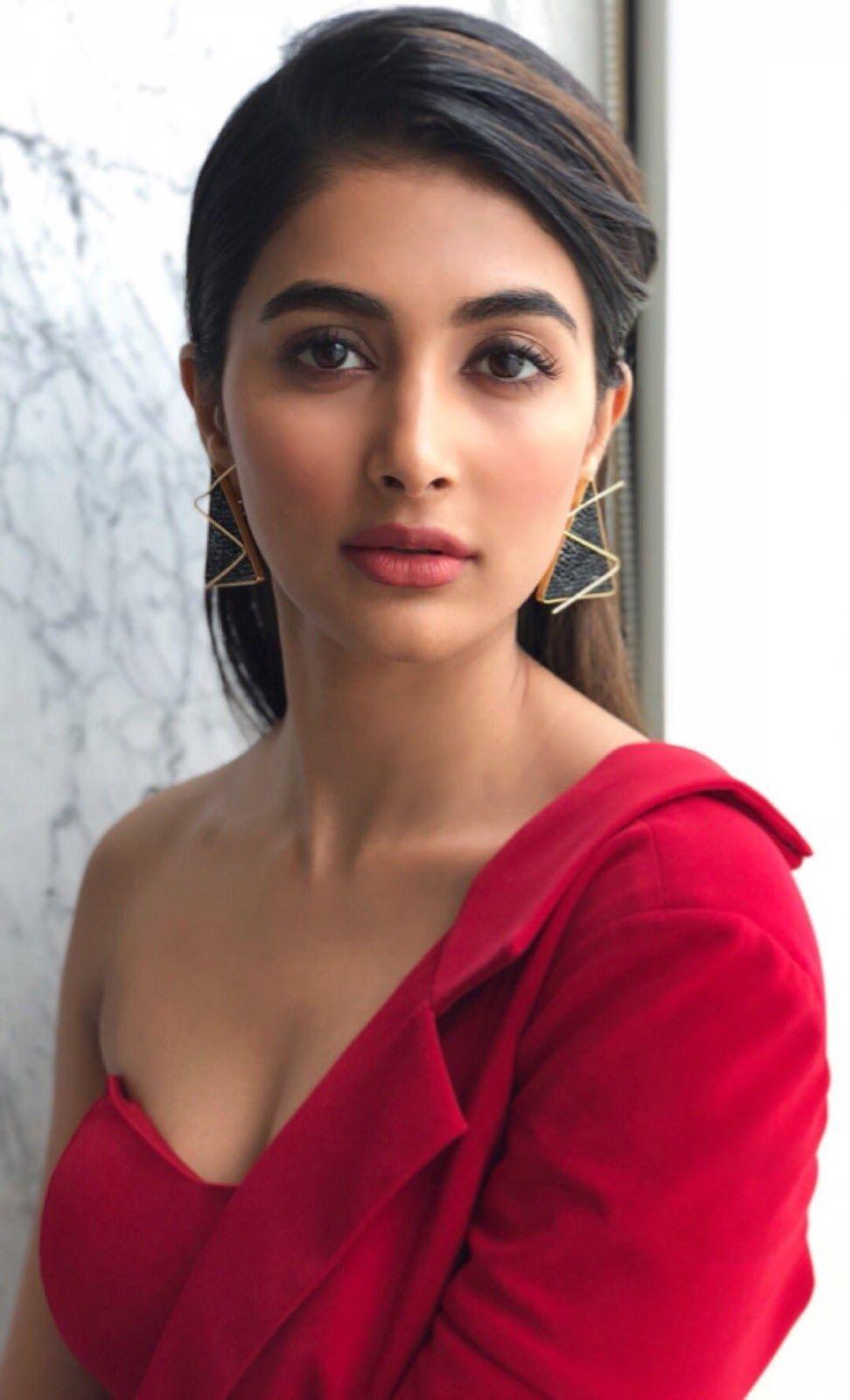 Pooja Hegde Latest Photos