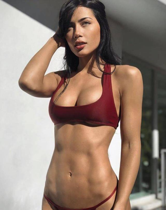 Fit Girls That Are Almost Too Hot to Handle (60 pics)