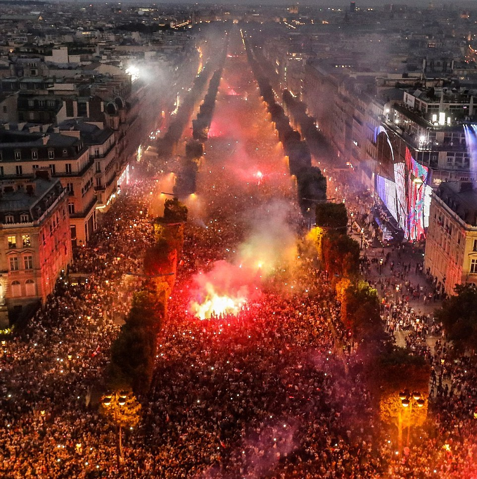 FIFA World Cup: France's World Cup celebrations (35 Pics)