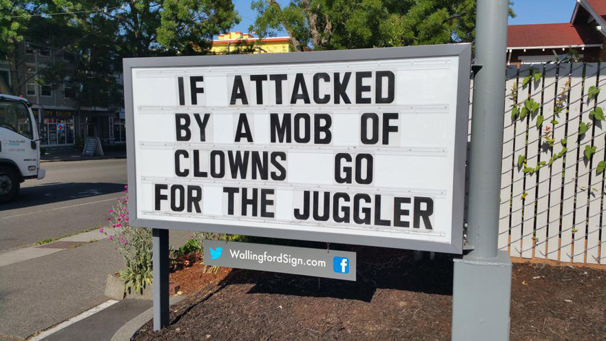 This Gas Station In Seattle Has The Funniest Signs Ever (22 Pics)