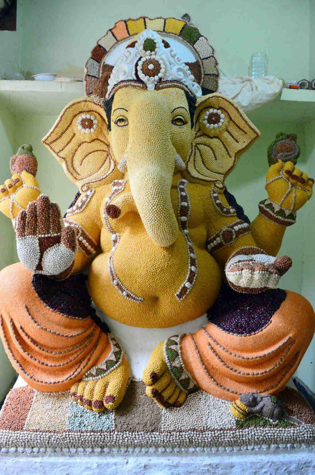 Ganesh Idols 35 Pics