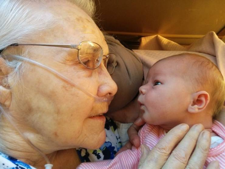 Grandparents And Grandkids Love Each Other So Much! (20 pics)