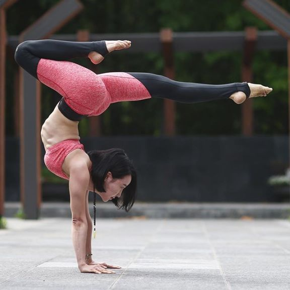 69 Flexible Ladies Showing Off Their 'YOGA' Skills