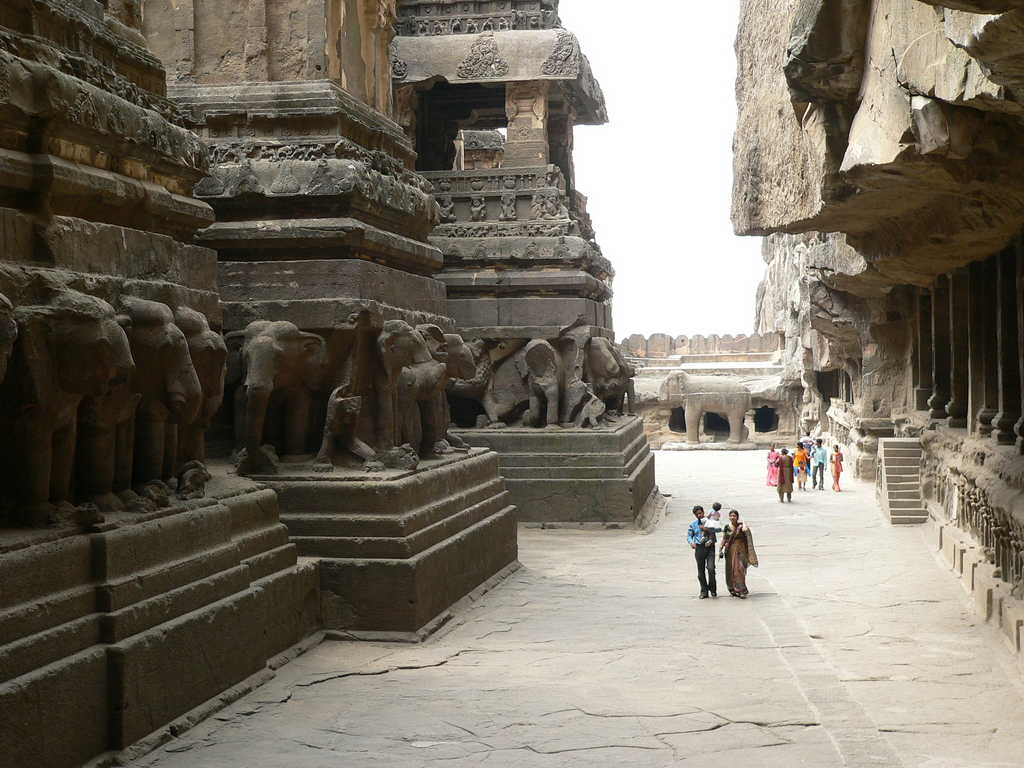 Ancient India - A Journey into the Ancient and Mysterious World Of Most Amazing Indian Temples