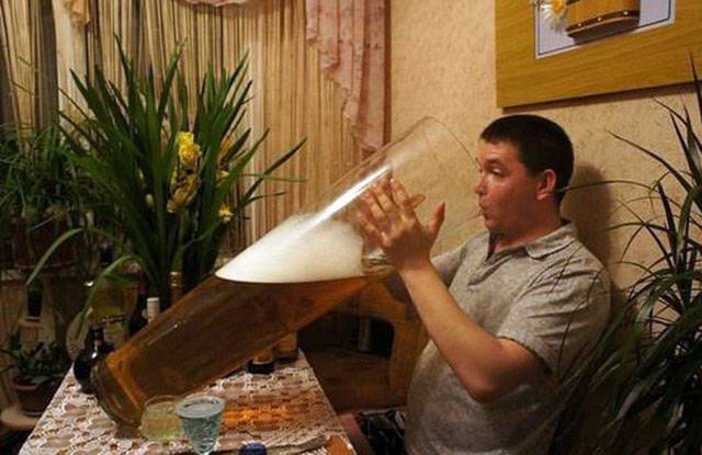 Men Doing Stupid And Crazy Things - (24 pics)