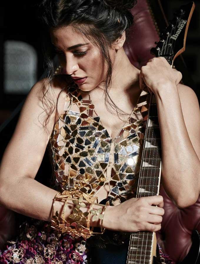 Shruti Haasan Latest Photos