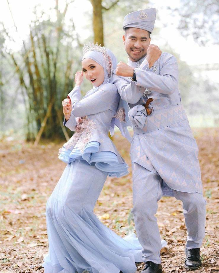 Traditional Wedding Outfits Around The World (18 Pics)