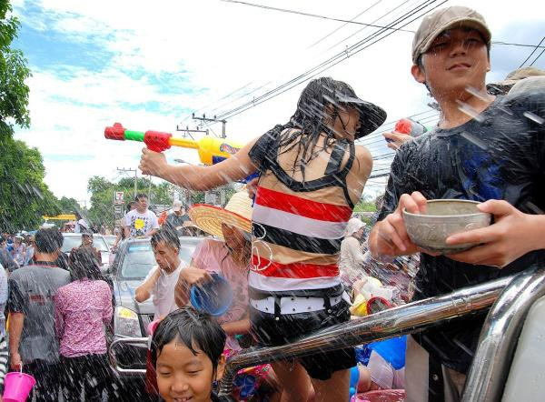 Arguably some of the weirdest festivals from around the world (15 Photos)