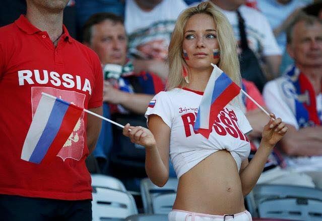 That's Why I Love Football (15 Pics)