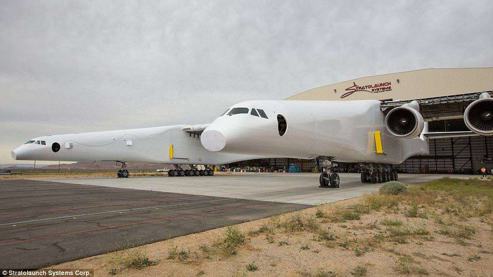 World's Largest Aircraft Passes First Engine Tests
